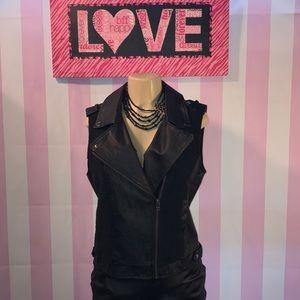 Miss Me Faux leather vest Size L ♥️